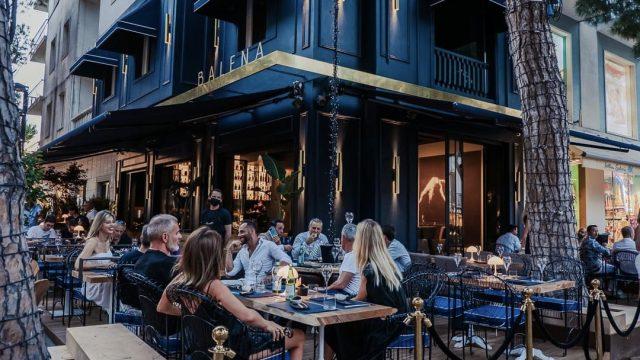 Balena Lounge Bar sceglie Outline